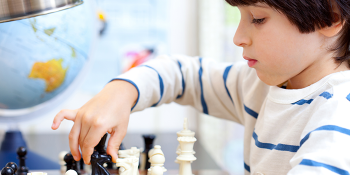 What is the best age to learn chess? Parent's Guide